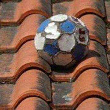 pelota-tejado